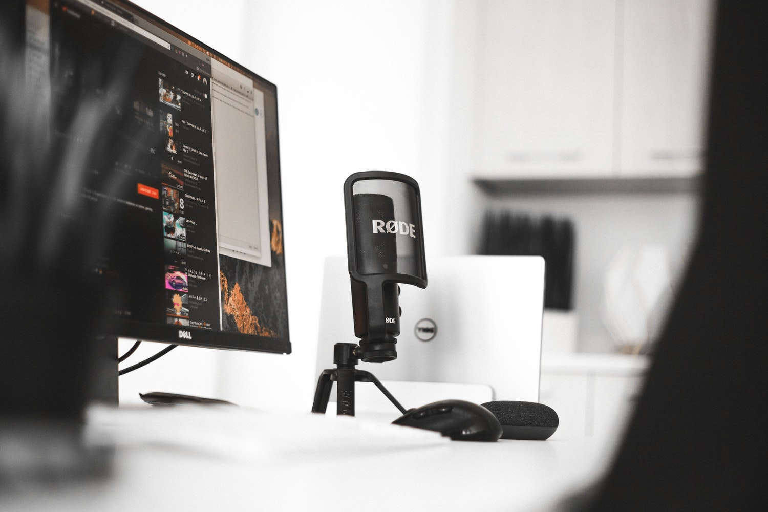 How to Start Podcasting on Less Than $100: A Beginner's Guide