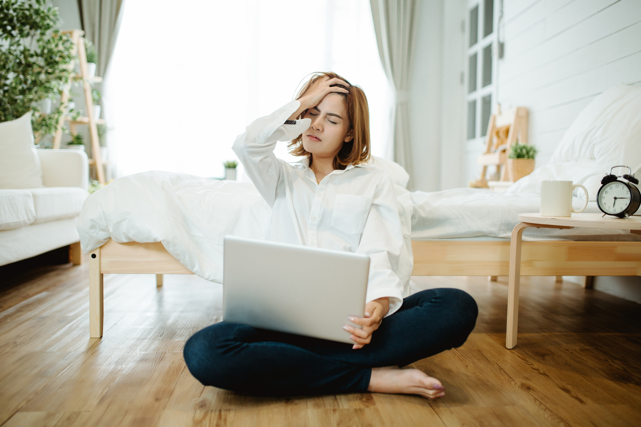 Work From Home Benefits and Drawbacks: Can You Handle It?